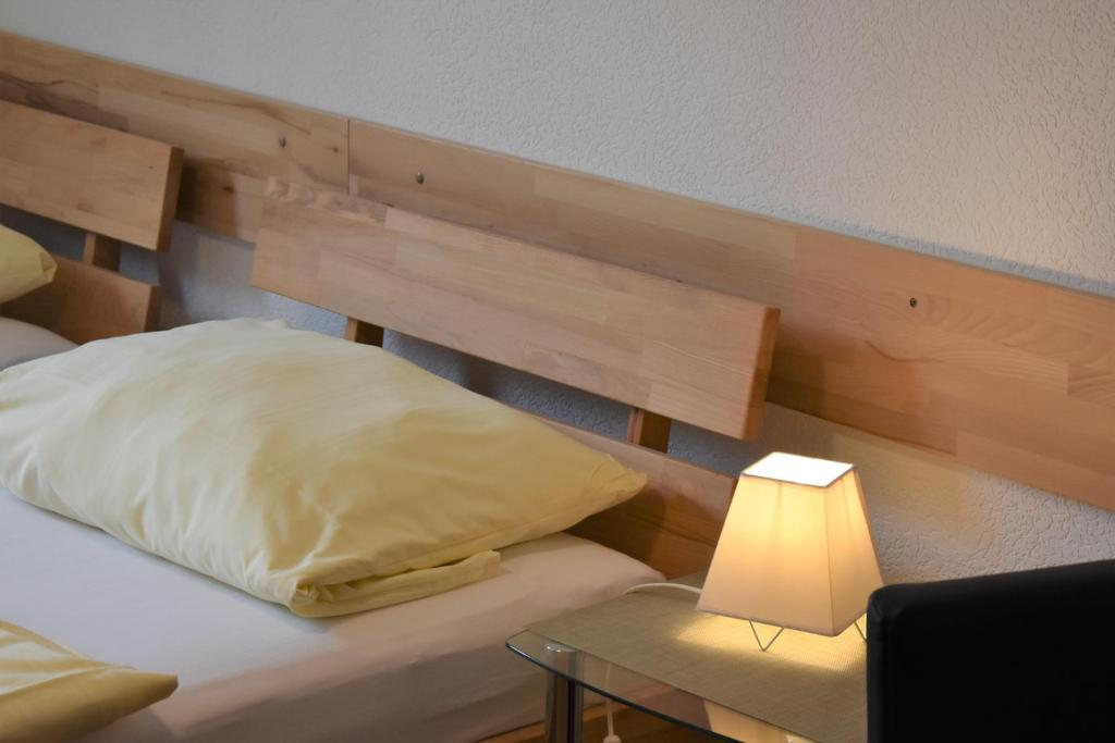 Ein Bett oder Betten in einem Zimmer der Unterkunft Pension Maintal Eltmann