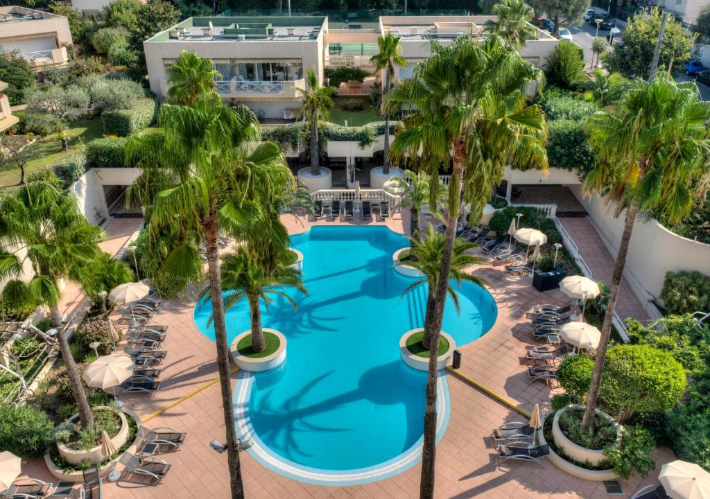 A view of the pool at AC Hotel by Marriott Ambassadeur Antibes - Juan Les Pins or nearby