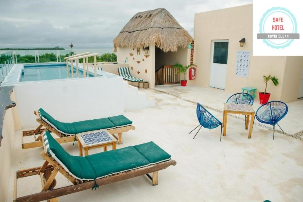The swimming pool at or near Corazon Mexicano Holbox