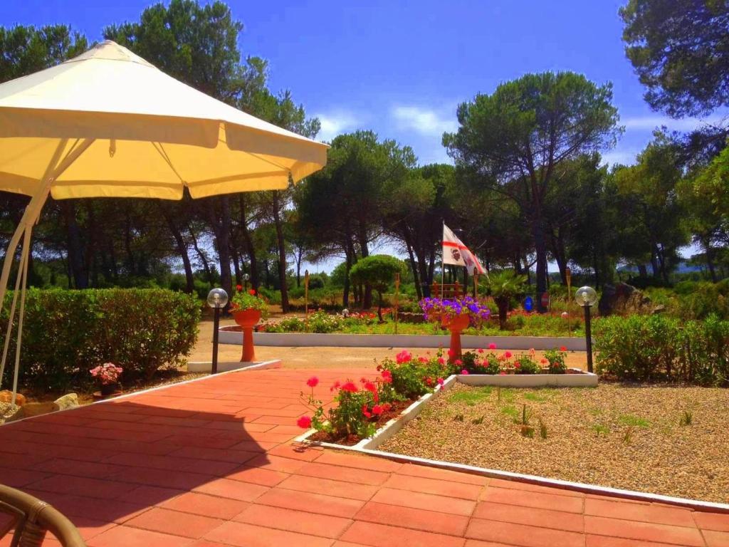 Giardino di Villaggio Camping Nurral