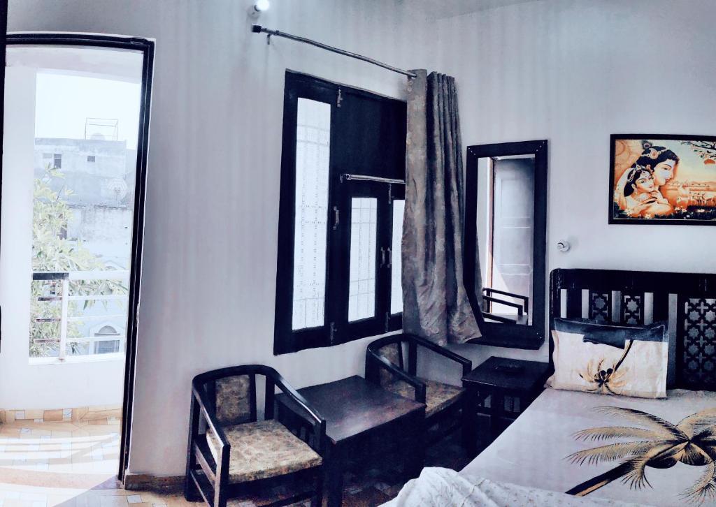Agra Homestay, Stay 1KM Walking Distance From Taj Mahal East Gate