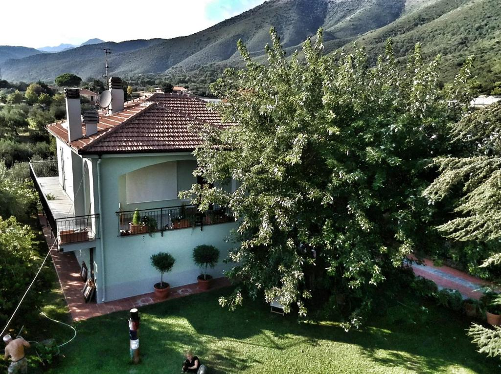 Independent apartment with a fabulous patio - Casa Penny