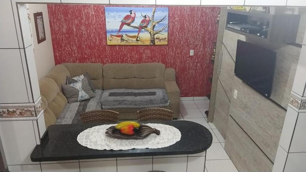 Casa Localizada a Menos de 100m da Praia de Zimbros