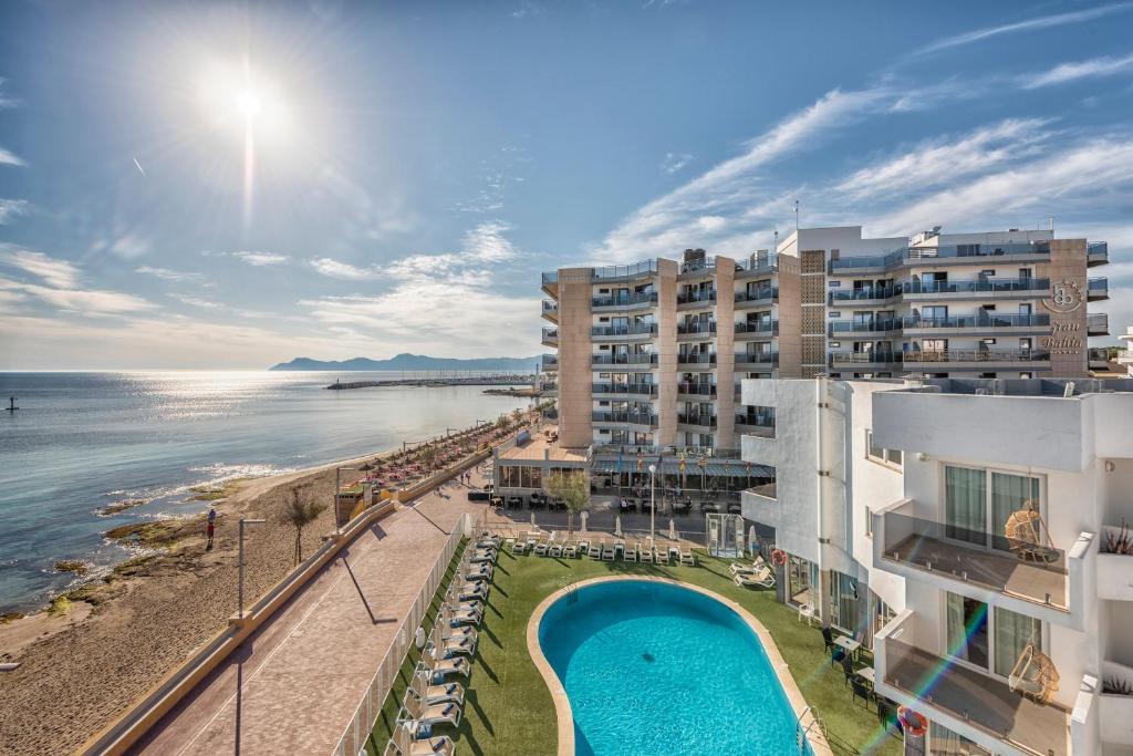 Vista de la piscina de Hotel THB Gran Bahía o alrededores