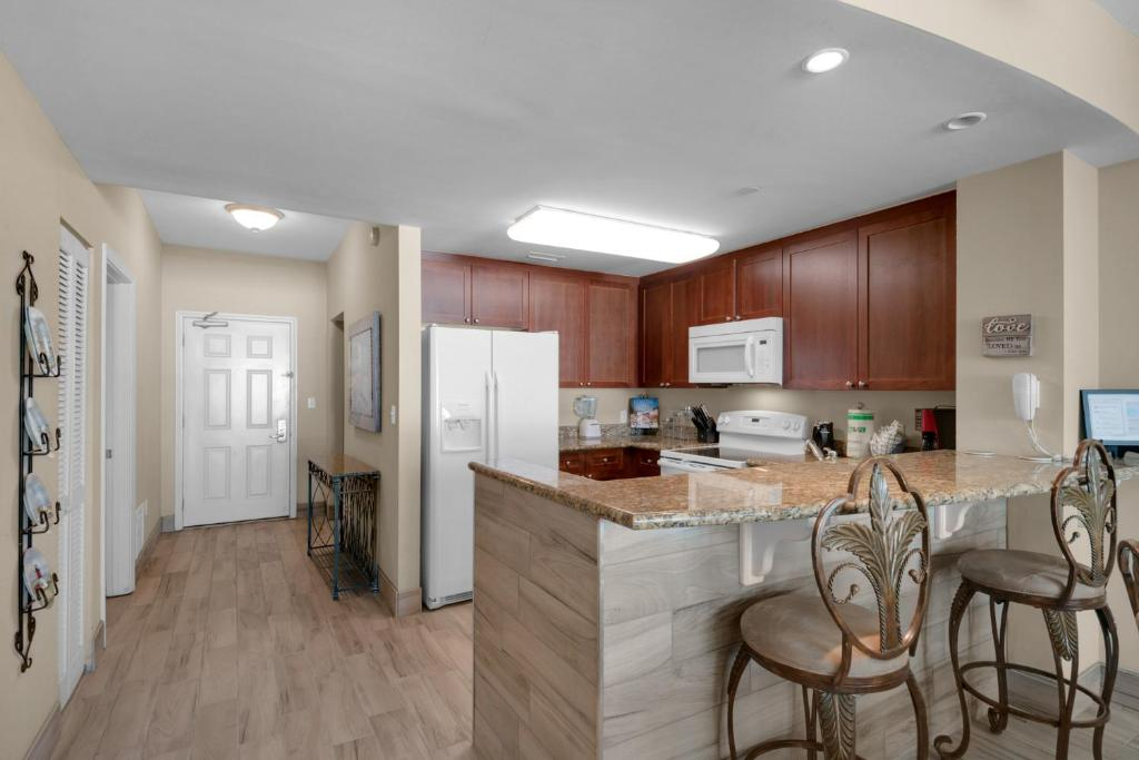 0207 2b 2 Bath With Bonus Room Master Bedroom Living Room Face The Gulf Panama City Beach Updated 2021 Prices
