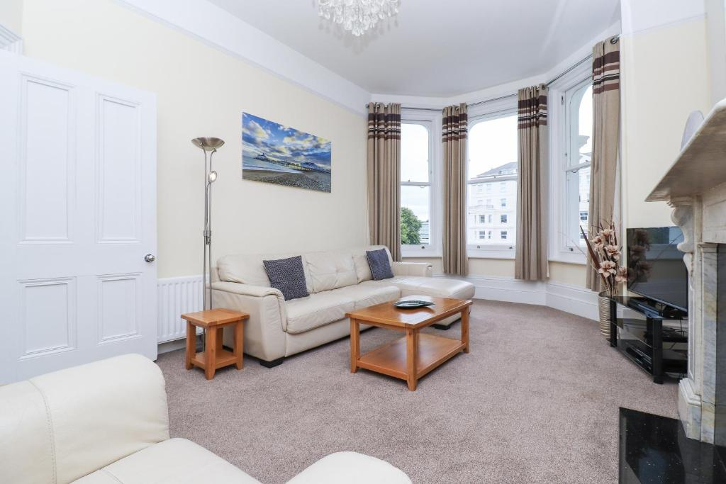 Spectacular Sea View Apartment in Eastbourne, East Sussex, England