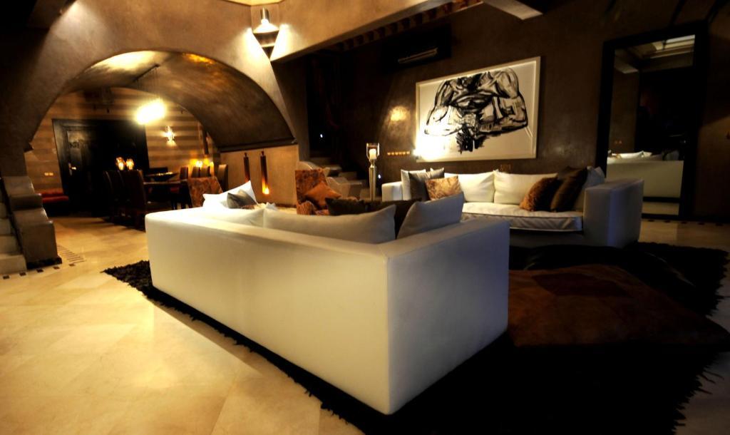 The lobby or reception area at Villa Malika Silvana