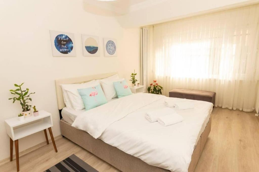 Stylish Home with Private Garden - 12 min Walk to Osmanbey Metro Station