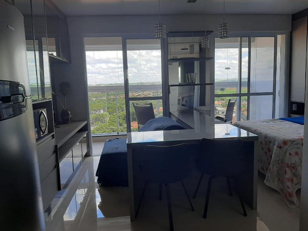 Flat Uptown Residence