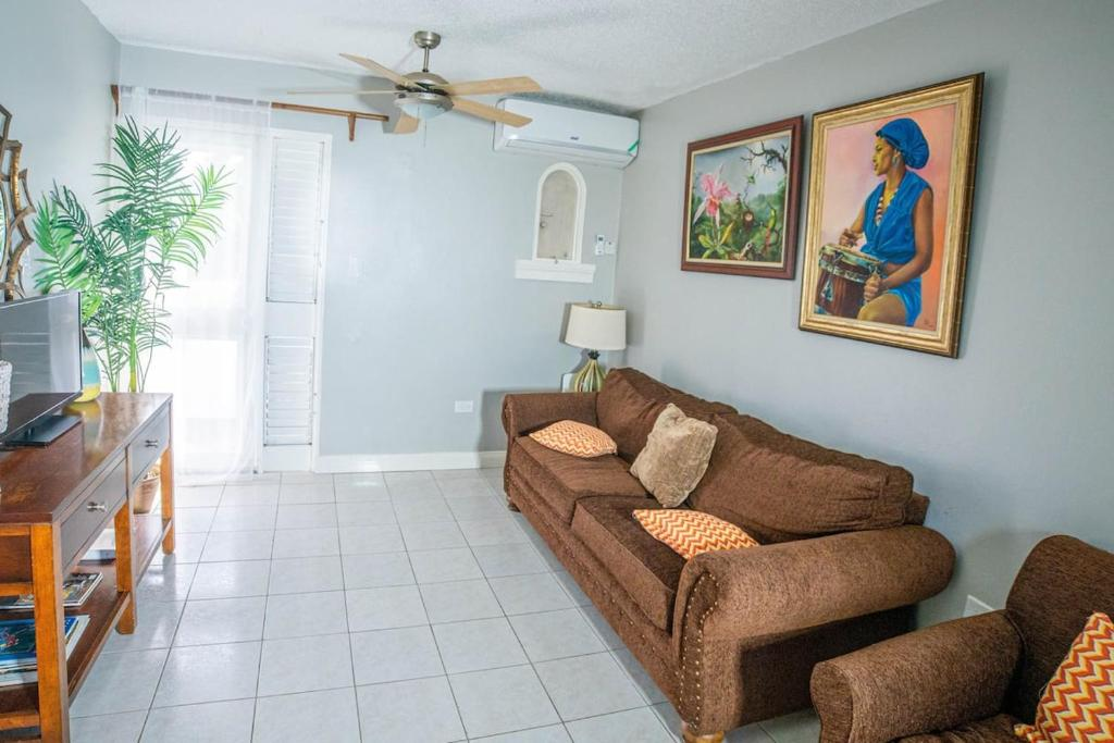 Blue Point Condo- Cozy Negril Home w/ Beach Access