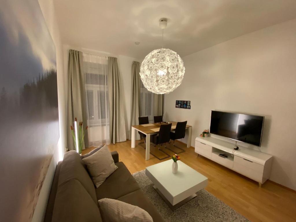 Posezení v ubytování New cozy Apartment, Top location, 12 min to center