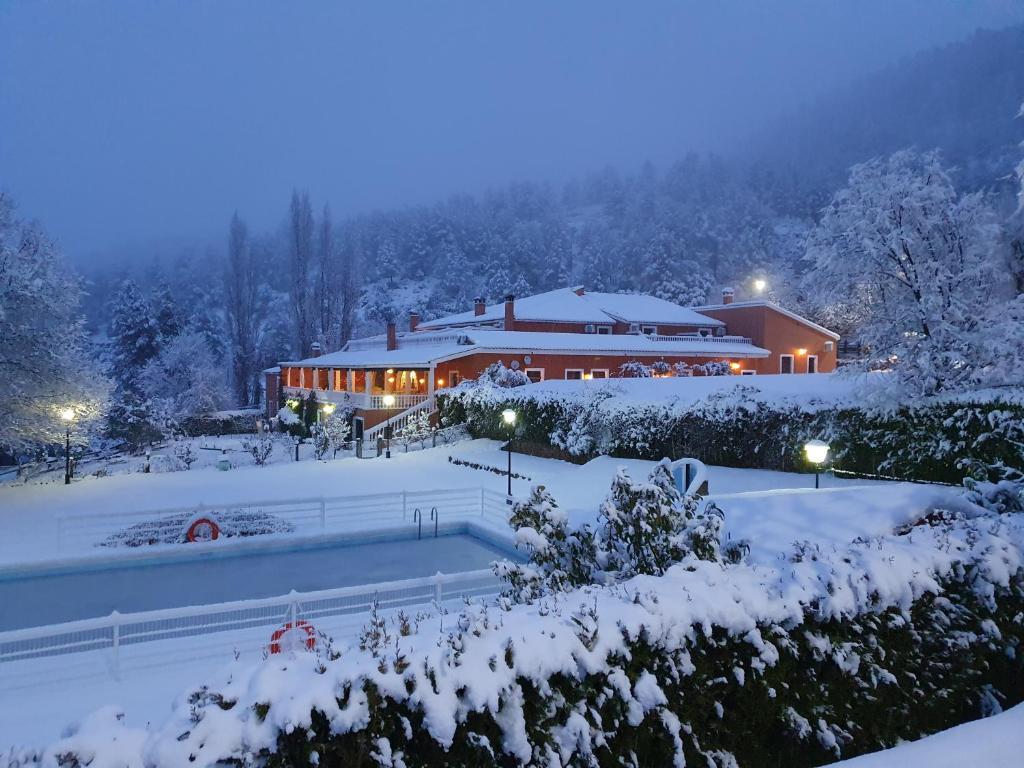 Hospedium Hotel Val de Pinares