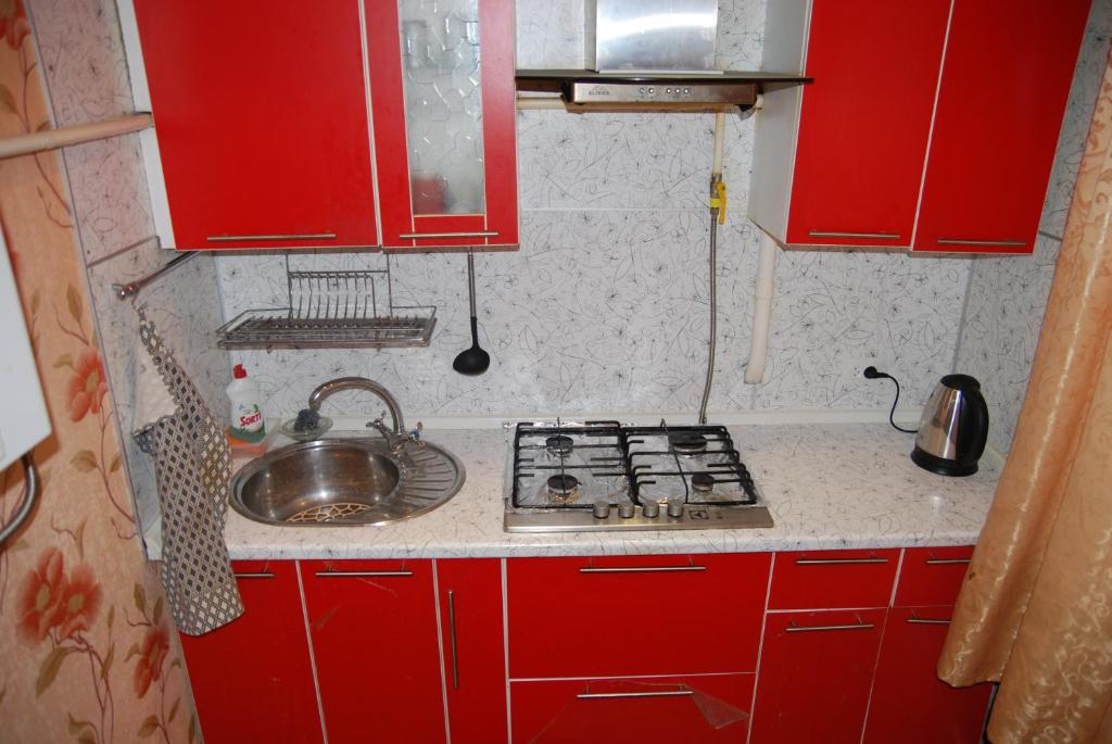 Кухня или мини-кухня в Воскресенск Апартаменты
