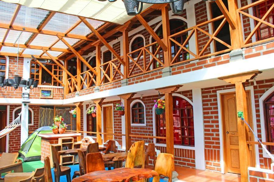 Restaurant ou autre lieu de restauration dans l'établissement Hostería Chukirawa
