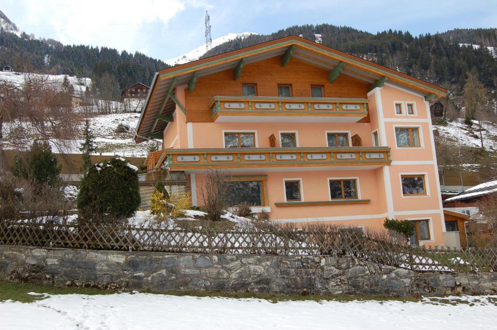 Landhaus St. Rupert during the winter