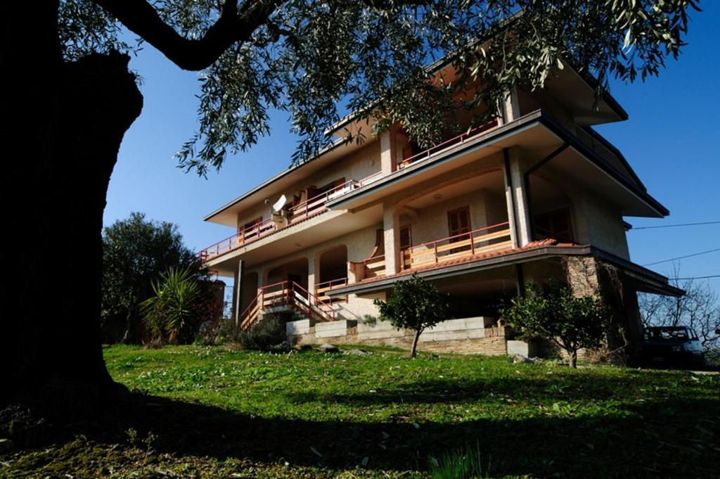 Hotels In Loreto Aprutino