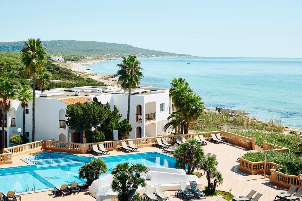 A view of the pool at Insotel Hotel Formentera Playa or nearby