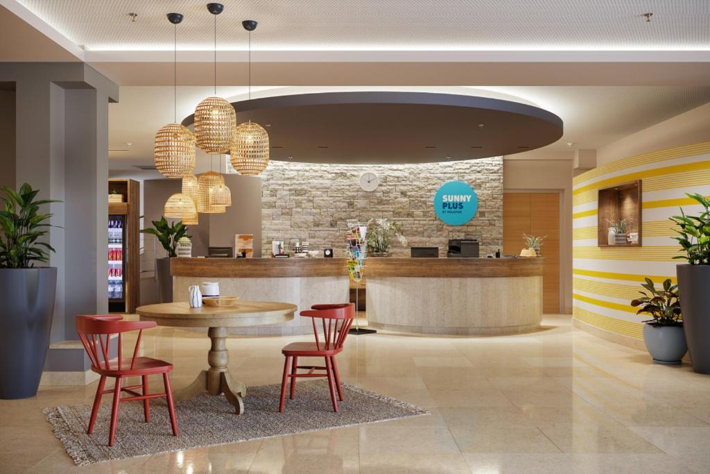 Lounge oder Bar in der Unterkunft Rubin Sunny Hotel by Valamar