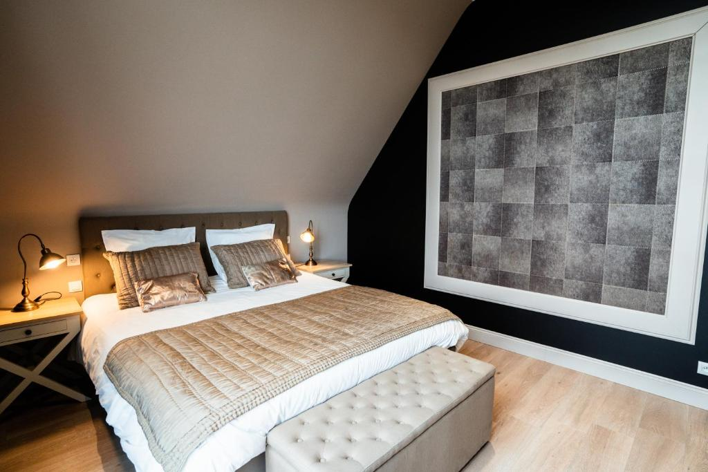 A bed or beds in a room at Dartmoor cottage
