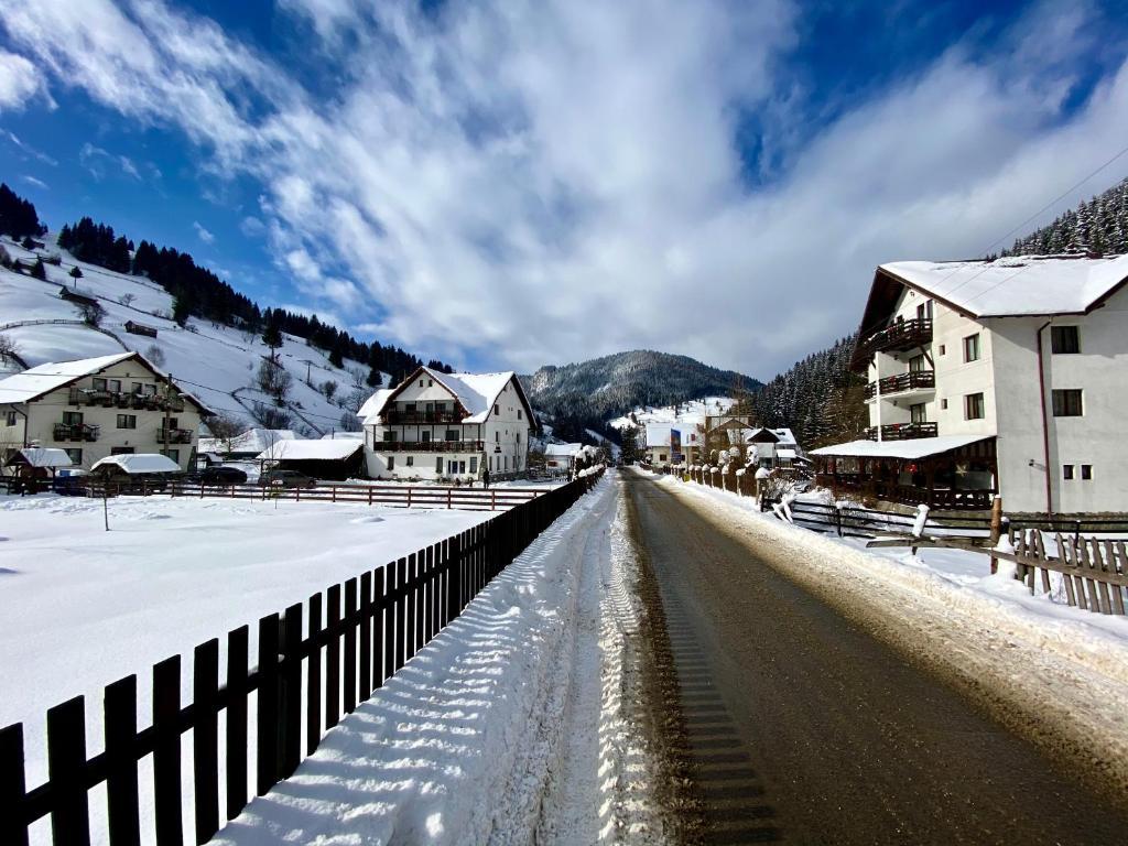 Intalnire gratuita Alpes mare