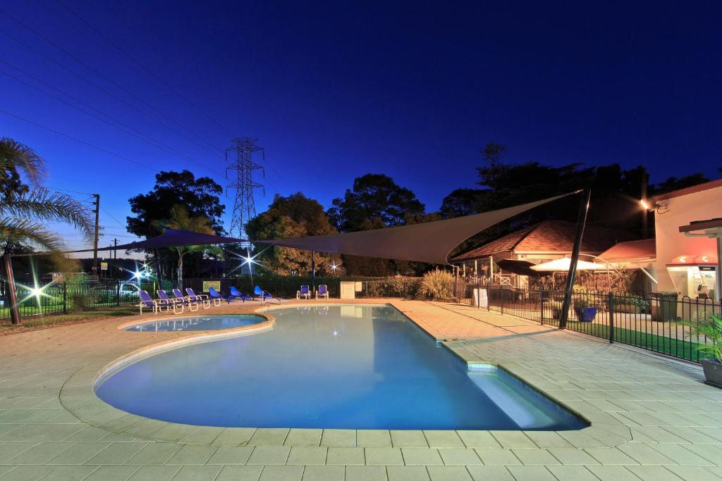 The swimming pool at or near Ingenia Holidays Nepean River