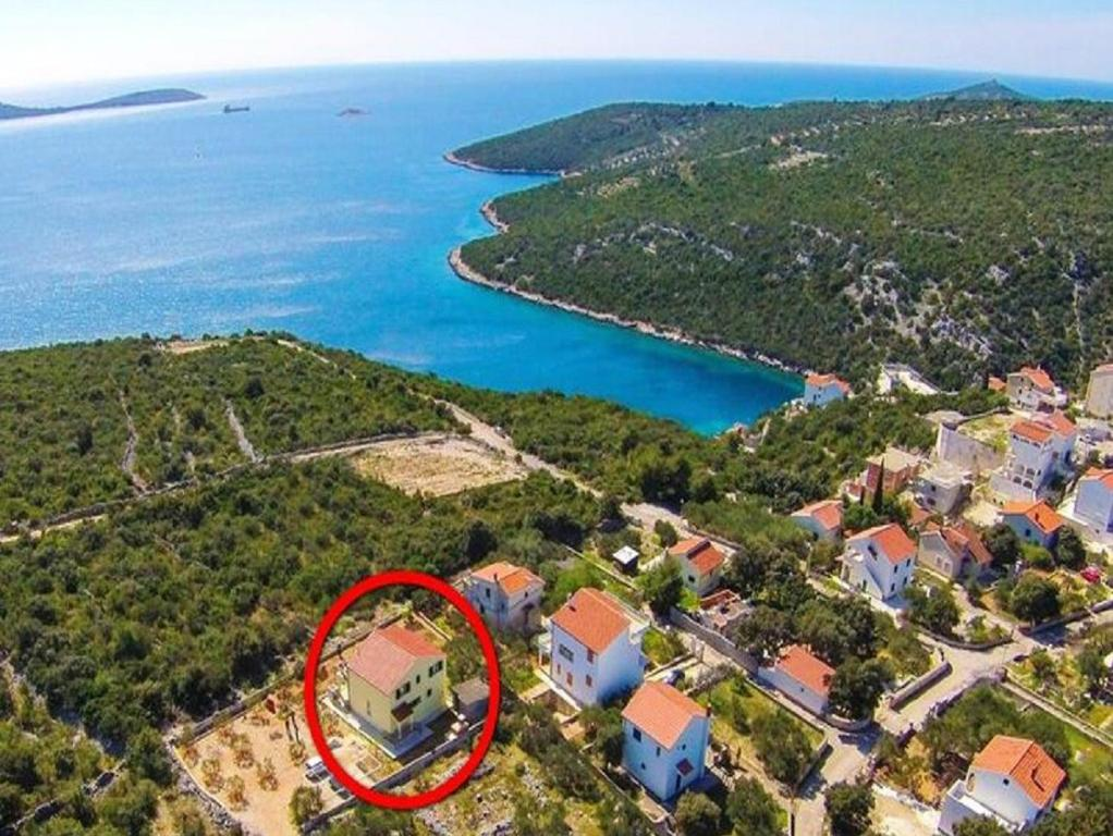 Apartments Ljuba - 200m from beach