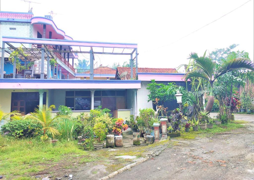 Sri MK Hotel