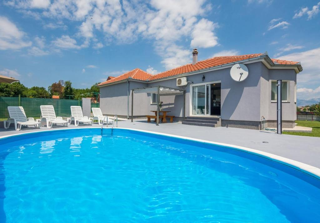 Holiday Home Flora With Pool For 6 Guests Poličnik Updated 2021 Prices