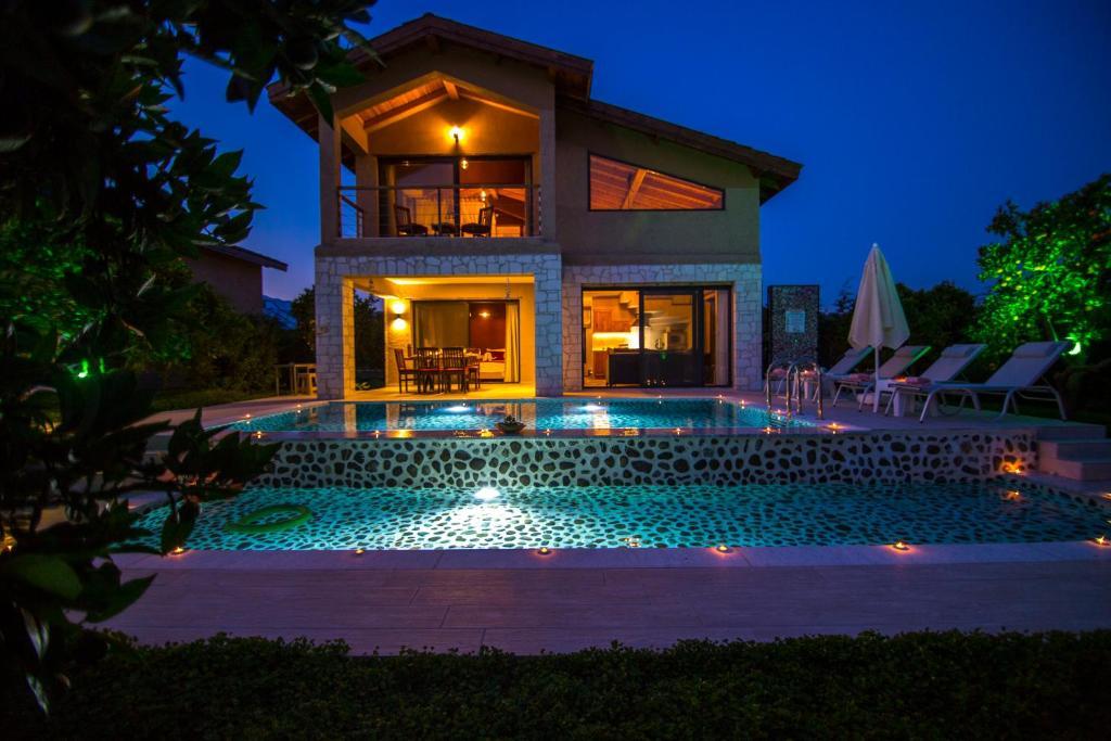 Volans Suites Villas