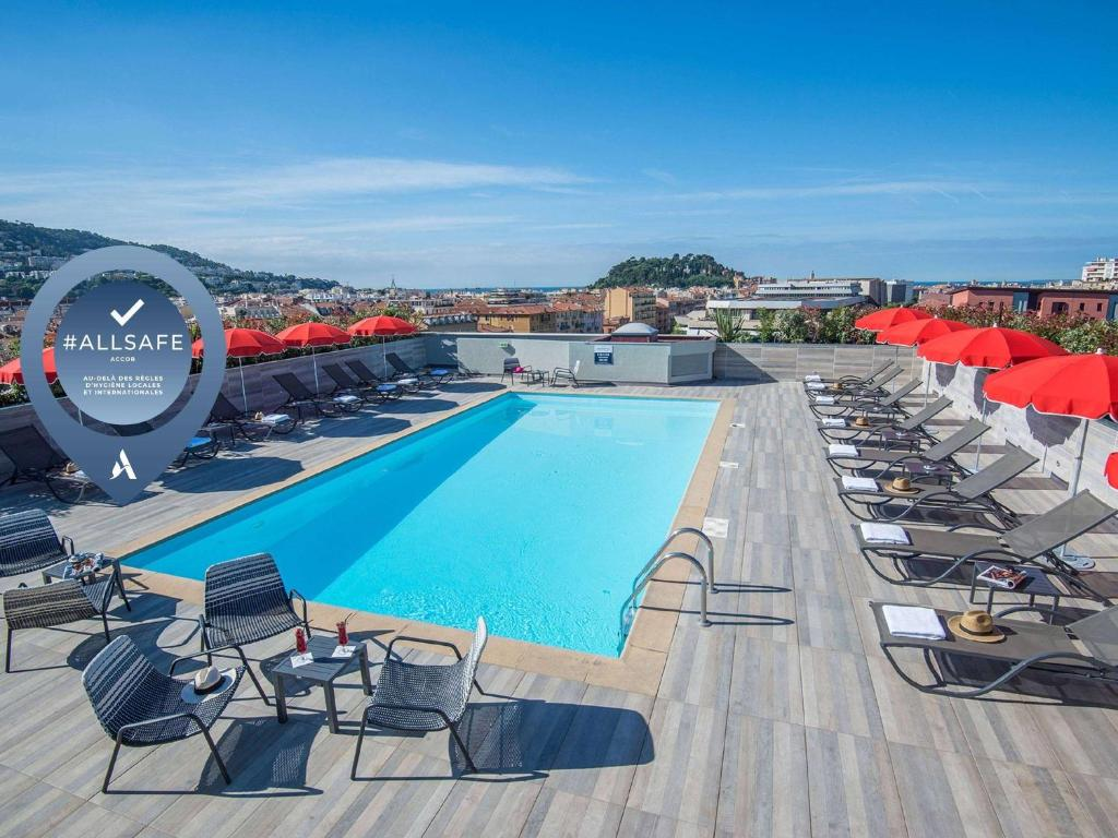 A view of the pool at Novotel Nice Centre Vieux Nice or nearby