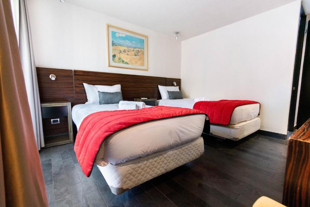 Tribeca Twin Room - 1BR w/ Pool, Wifi, A/C
