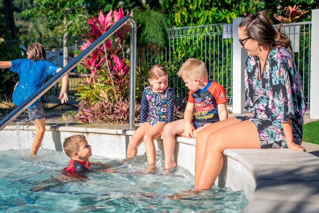 Children staying at BIG4 Whitsundays Tropical Eco Resort