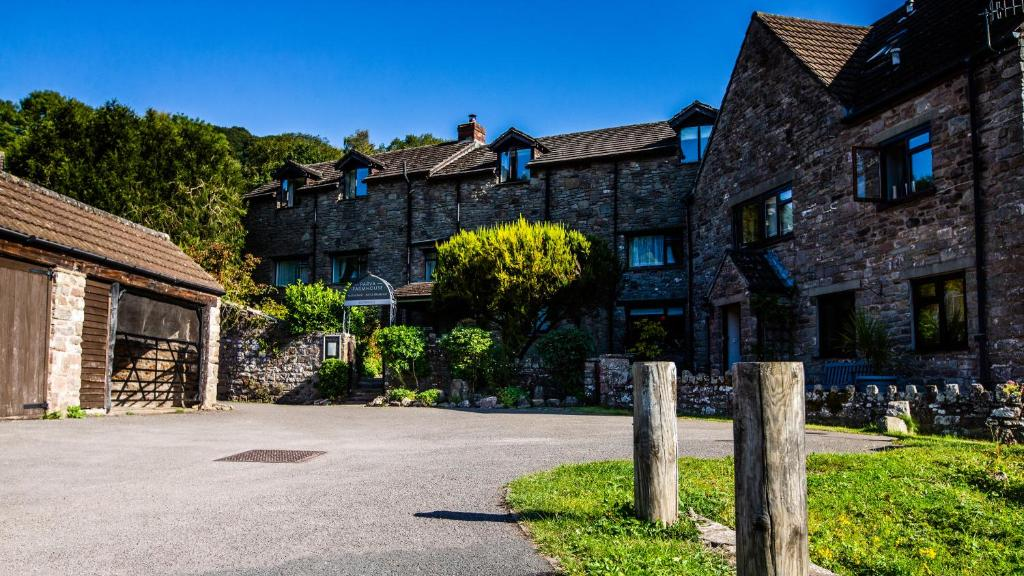 Parva Farmhouse Riverside Guesthouse in Tintern, Monmouthshire, Wales