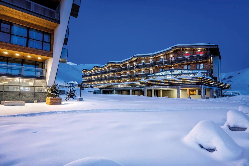 Gudauri Hills Apart Hotel during the winter