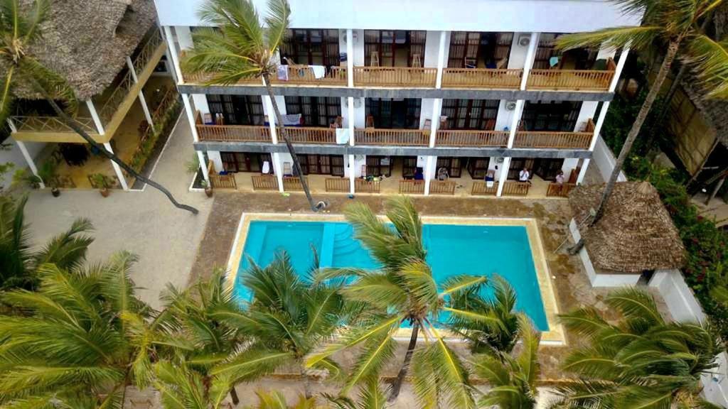 Výhled na bazén z ubytování Miramont Retreat Zanzibar nebo okolí