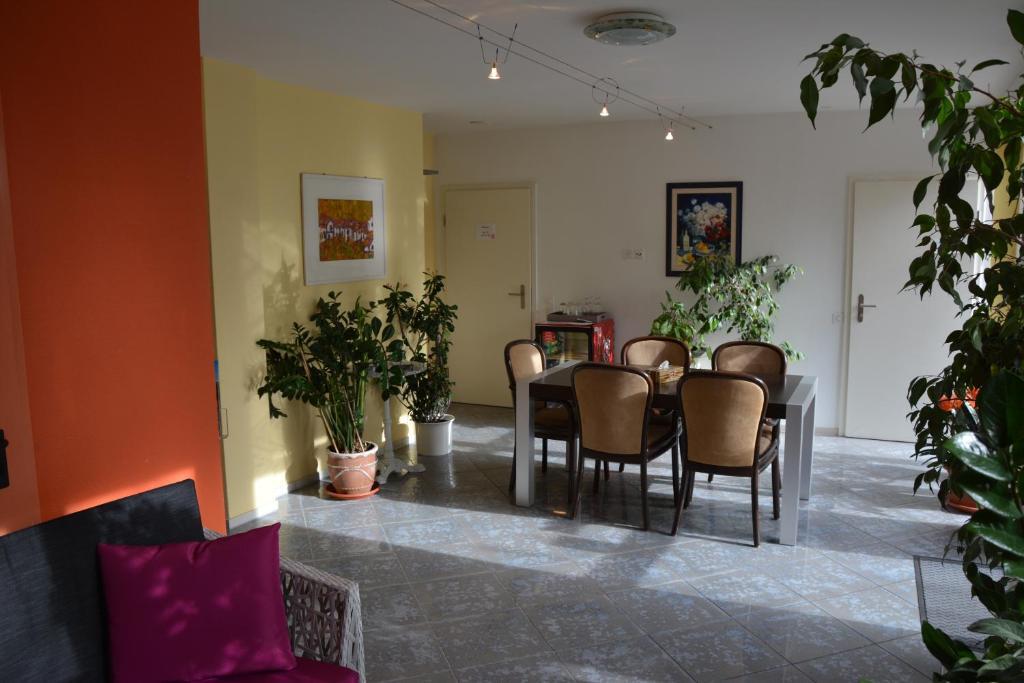Lobby/Rezeption in der Unterkunft Hotel Hessengüetli