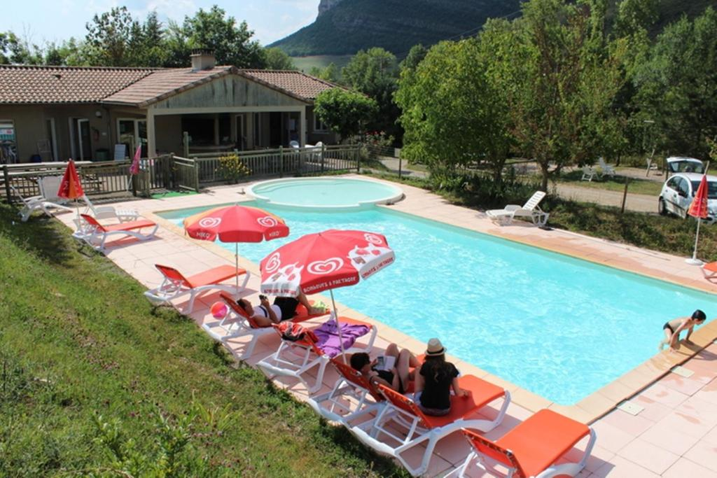 The swimming pool at or near Causses & Vallées Vacances