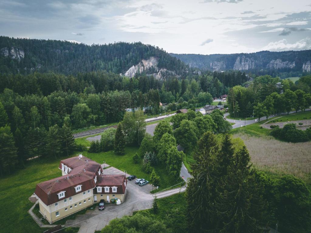 Letecký snímek ubytování Hotel Adršpach Garni