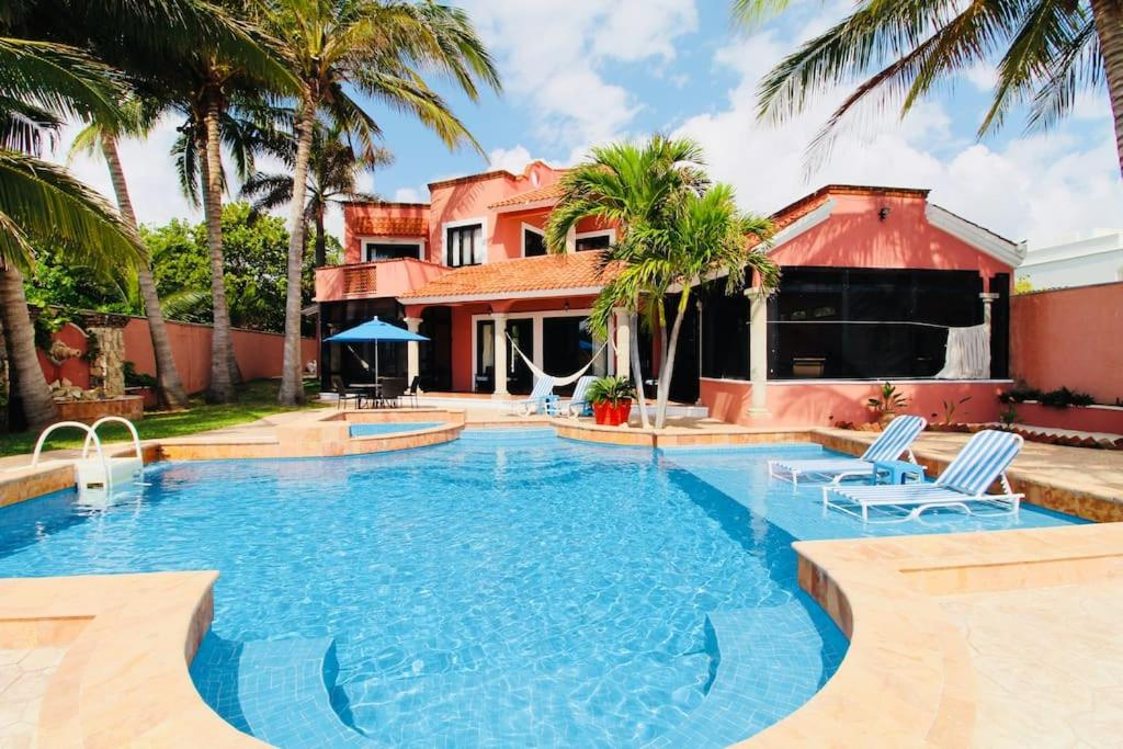 Stunning Beachfront Casa with Private Pool South Breeze 34 by Mint