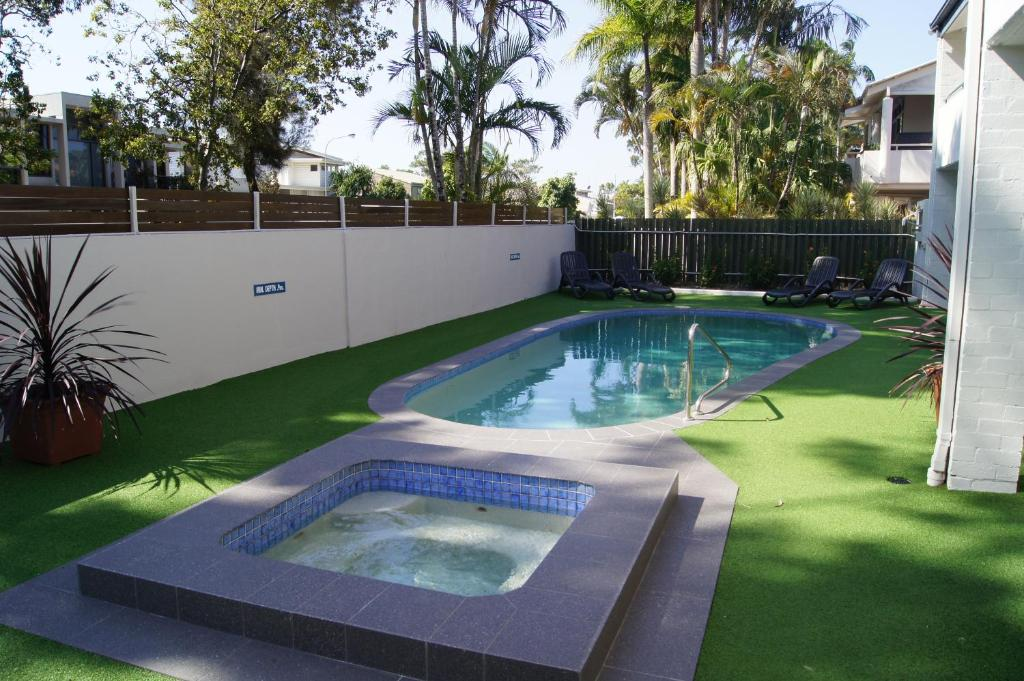 The swimming pool at or near Noosa Parade Holiday Inn