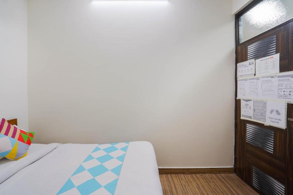 OYO 79182 VD Residency