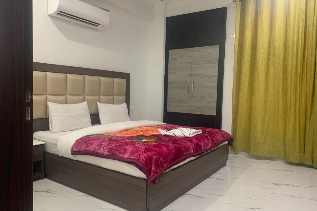Two bhk Apartment Near Artemis Hospital