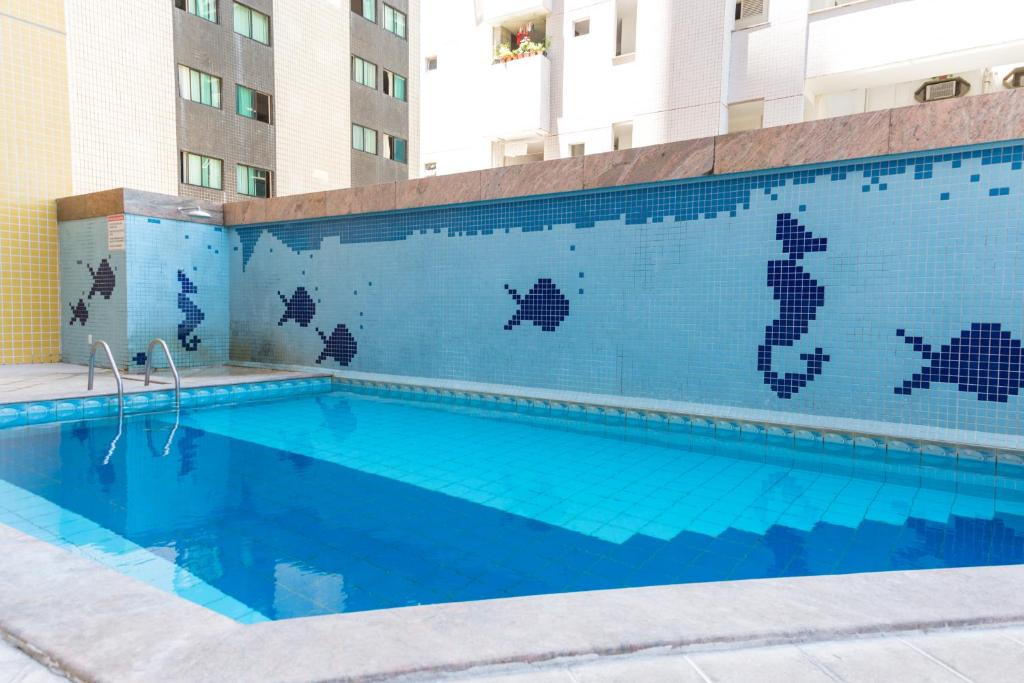 The swimming pool at or close to Boa Viagem Flat