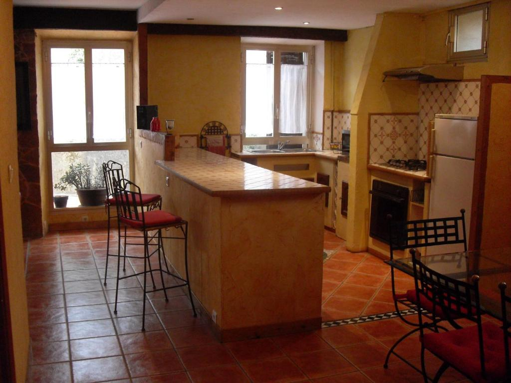 A kitchen or kitchenette at Appartement Vallombrosa