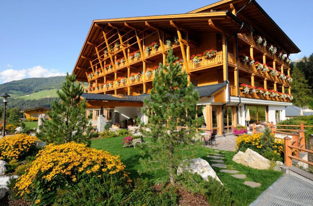 BAD MOOS - Dolomites Spa Resort Sesto, Italy