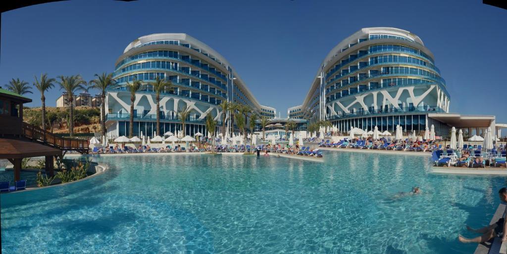 The swimming pool at or near Vikingen Infinity Resort & Spa