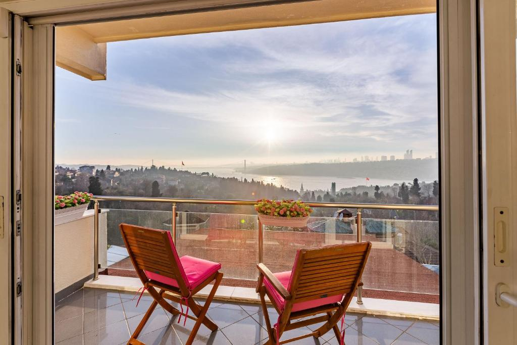 Cozy Apartment with Fascinating Bosphorus View in Uskudar