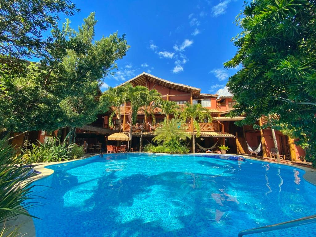 A piscina localizada em Pousada Casa do Forte ou nos arredores