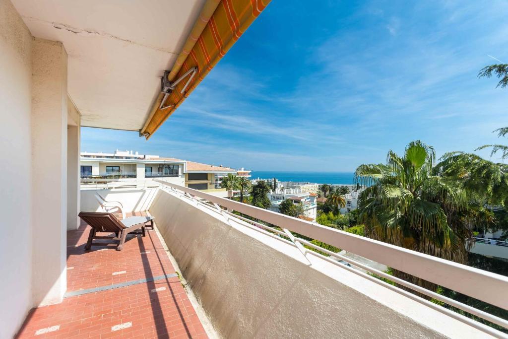 A balcony or terrace at La Vue Mer - 3 Chambres - Lanterne