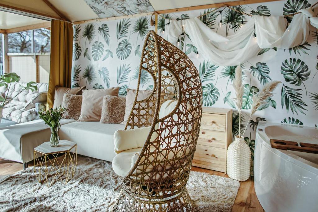 Część wypoczynkowa w obiekcie Herbals&SPA-Tree&beach tents